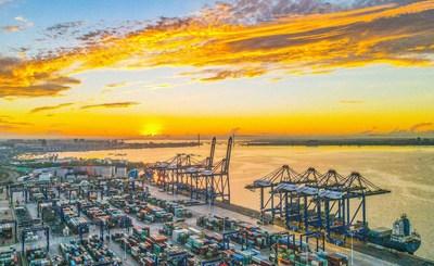 Una foto aérea del 26 de mayo mostró el vibrante puerto de Yangpu en China, ubicado en la costa oeste del puerto de libre comercio de Hainan. (Foto de Chen Yuancai, Hainan Daily) (PRNewsfoto/Hainan International Media Center (HIMC))
